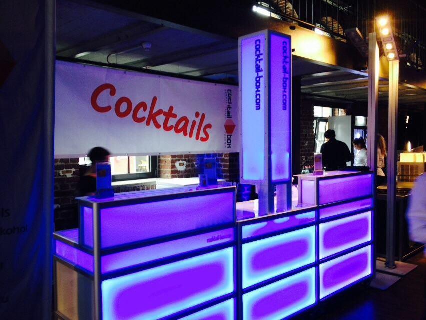cocktail-box_cocktailmaschine_mobile_cocktailbar_blue3