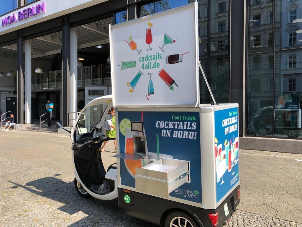 cocktails on board - neues Elektrofahrzeug total mobil. Cocktailmaschine in innovativer und zeitgemäßer Technik. Die völlig mobile cocktail-box in Kooperation mit Move green aus Berlin